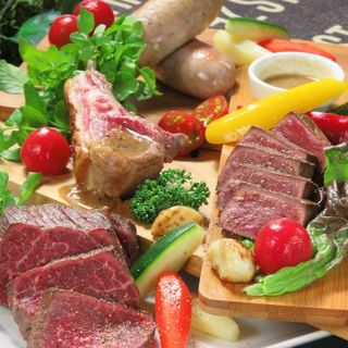 手作り&肉の旨味が凝縮した「BRAVO」な自家製ソーセージ