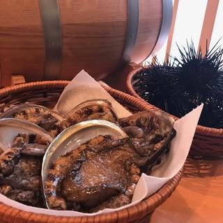 淡路島厳選食材をふんだんに使用したメニューは常時80種以上!
