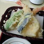 詫間カントリークラブ - 天ぷら、おひとついかがでしょうか。