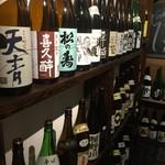 肉と日本酒 ゴッツジェイズ - 日本酒常備30~50種