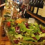 窯焼きワイン酒場JIJIバル - 料理写真: