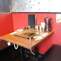 2名様用テーブル席×3卓