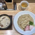 77325579 - 濃厚獅子丸つけ麺