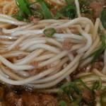 77328321 - 麺、細麺。醤油拉麺と少し違うんだね!