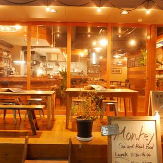 海が広がっているような開放的シーフードレストラン☆