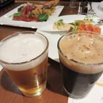 地ビール&ピッツァ オークラブルワリー - クラフトビール4種を含む飲み放題付き。