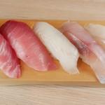 回転寿司 やまと - 料理写真:やまと5貫