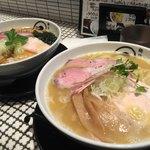 麺処 蛇の目屋 - 鶏白湯はすこしこい。醤油は塩っぽいけど美味しい。全粒粉