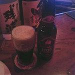 ビリー・バルゥーズ・ビア・バー - スリランカの黒ビール