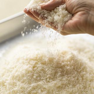 自家製のパン粉を使用しています。