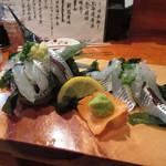 居酒屋 よっしー - サヨリの造り 700円 (2017.11)