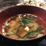 昭和や - 味噌汁も美味しいです(2017.12.2)