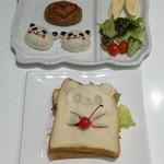 アラウンド テーブル - パンダさんのハンバーグプレート、パンダさんサンドイッチ