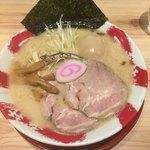 長浜豚骨ラーメン 一番軒 - 煮干トン
