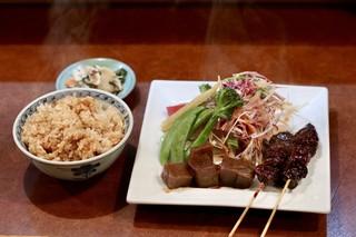 味乃にしき 伏見店 - にしき定食(A)牛味噌煮・ニンニク炒飯