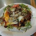 うずしお - 『デラックス』(牡蠣・肉・卵・そば)
