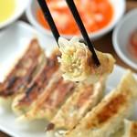 麺屋壱兆 - 肉汁たっぷりのジューシー餃子