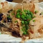 牛タン酒場 SHIRUSHI - 紀州備長炭で焼いたなす焼き     ¥420