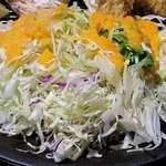串亭 - 串亭 二子玉川柳小路店 ランチ 広島県産牡蠣フライ御膳のたっぷりんこのサラダ