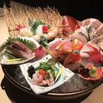 鮮魚と郷土料理の店 たつと - たつと盛り(990円/1人前)