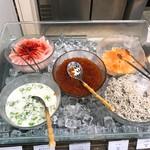 77382296 - 【2017年09月】ビュッフェ:海鮮丼用のコーナー。