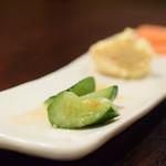 あげづき - 【定食@360円+税】胡瓜、ポテサラ、沢庵。定食セットをオーダーすると付いてきます。
