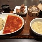 紅虎餃子房 - エビチリ炒飯セット