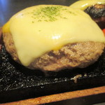 77386554 - ハンバーグの大盛+チーズ