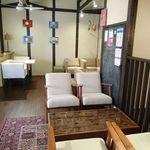 デリ カフェ マイス - ソファー席の2F