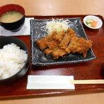 若松食堂 - くじらカツ定食(*´∀`)