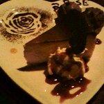 slow dining a.RISE - チーズケーキとおまけ(クーポン使用)のチョコアイス