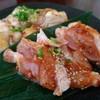焼肉もんじろう - 料理写真:鶏モモ(実際は4個)