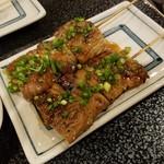 飛鳥 - 料理写真:「シロ串 (380円)」