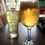シンガポール ホーカーズ - ランチ生ビール(グラス)250円+ジャスミン茶(サービス)