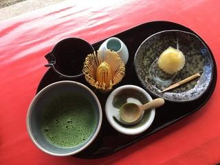 茶房前田 二条城店 - 宇治抹茶とお菓子 900円