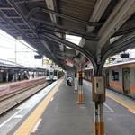 77397498 - この電車に乗ります。