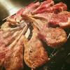 ビッレリア&ピッツェリア ルーチェ - 料理写真:熟成スプリングラムのラムチョップグリル!¥490/本