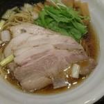 麺処 景虎 ほん田  - 鶏だし醤油チャーシューメン