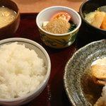 7740838 - 本日のお魚の定食(800円)