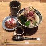 日本橋海鮮丼 つじ半 - ぜいたく丼 梅  ¥1,080-(前半)