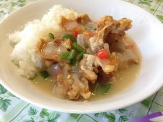 桂林 - チキン塩味チキン丼 850円  → 500円 (ランパスvol.10提示)
