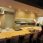 懐石料理 はし本 - 店内、カウンター