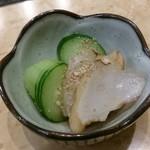 海仙 亀多寿司 本店 - お通しのたこ酢
