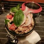 ラ ボッテガ デル オーリオ - 豚肉のツナっぽいキャンティ風とファーロ小麦のトスカーナ風サラダ