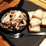 酒菜と大和だし茶漬け 風神 - 十津川きのこのアヒージョ(580円)