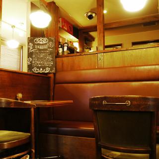 落ち着くフランスの田舎風なビストロカフェ
