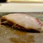 77416440 - [2017/11]寿司⑨ 小樽産ぶりの握り