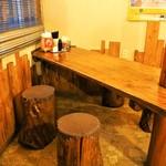 みなと食堂 - テーブル席