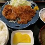 かつ膳 - 料理写真:ヒレかつ定食 900円 大きめのヒレが2つ
