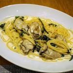宮島ボッカ アルケッチァーノ - 料理写真:牡蠣のクリームソース・スパゲティ 1,300円